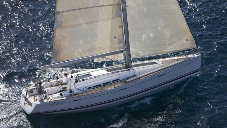 Парусная яхта Beneteau First 45 экстерьер 1