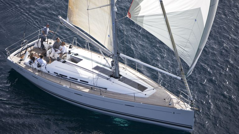 Парусная яхта Beneteau First 45 экстерьер 2